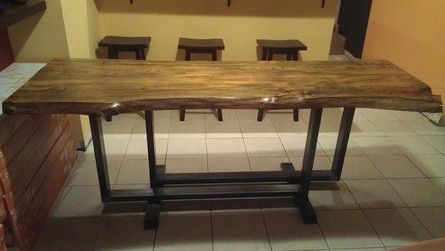 Attaching a wood table top to a metal frame - Canadian Woodworking ...