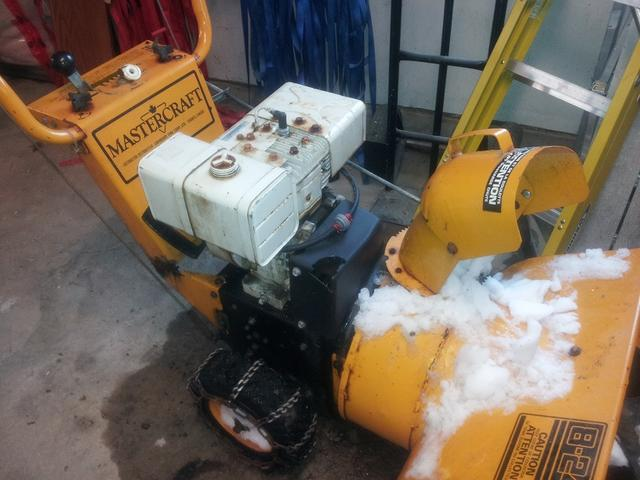 Snow Blower Stalling Under Load - Canadian Woodworking and